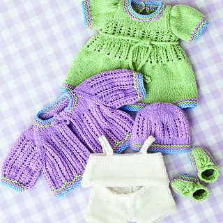 Free knitting patterns for 12 inch baby dolls clothes awesome.