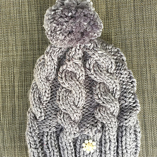 Ravelry  Chunky cable beanie pattern by Gloria M 5a267f825a9