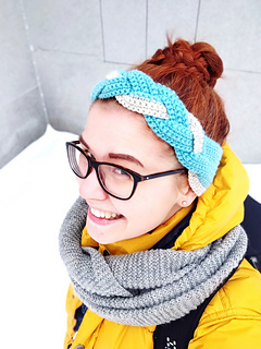 Ravelry  The Unicorn Tail Headband pattern by Veronica Lönnqvist e754ea0adc6