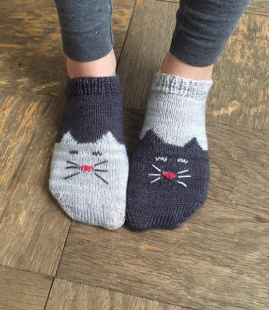 Ravelry Yinyang Kitty Ankle Socks Pattern By Inorgaknit