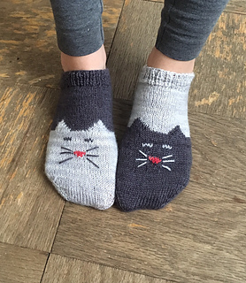 YinYang Kitty Ankle Socks pattern by Geena Garcia