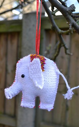 White_elephant_medium