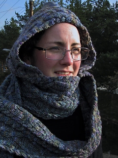 Cablehoodscarf_004_small2