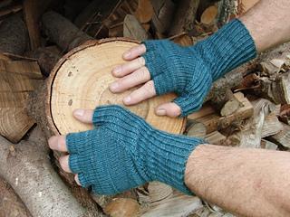 Hiddengusset_gloves2_small2