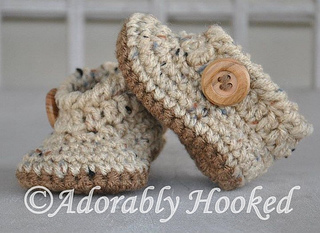 Lil_boy_button_booties_small2