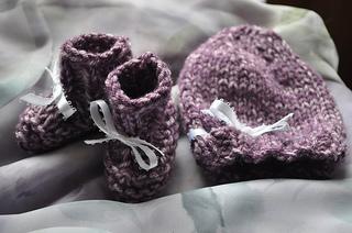 Purplehatbootiesset_001_small2