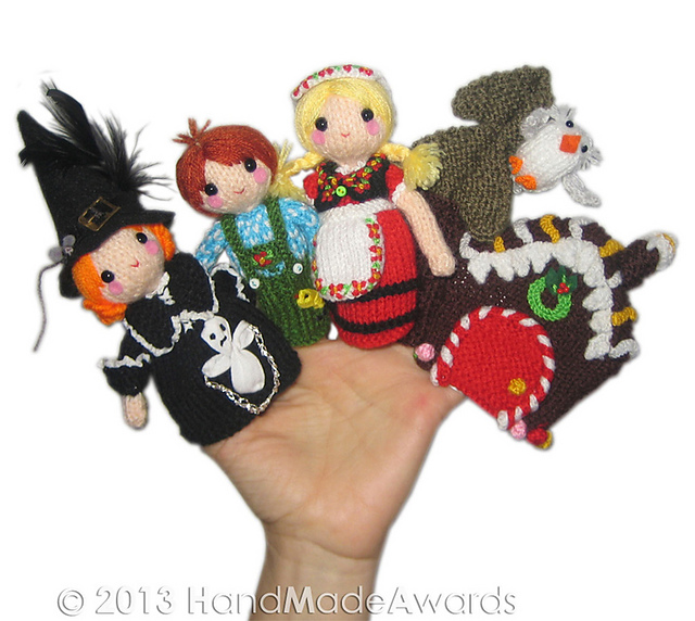 Ravelry: Hansel and Gretel Finger Puppets pattern by Loly Fuertes