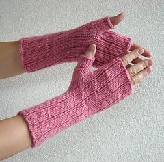 Pinstripe_gloves_1_small