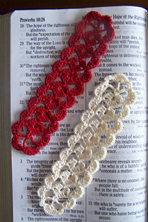 015_chain_of_hearts_bookmark_small2