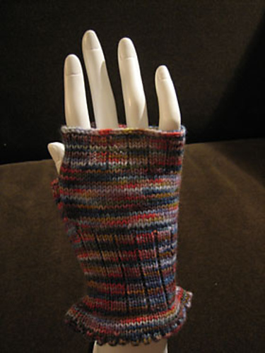 Ravelry Fingerless Mitts On The Csm Pattern By Handwerks