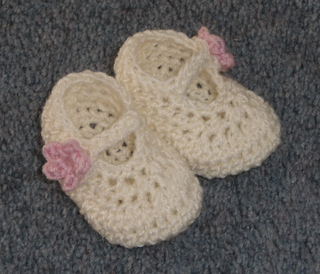Ravelry Dainty Mary Janes Pattern By Hayley Missingham