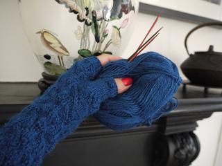 Amphora_gloves