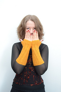 Yellow_mitts_1_small2
