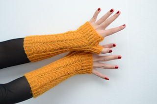 Yellow_mitts_2_small2