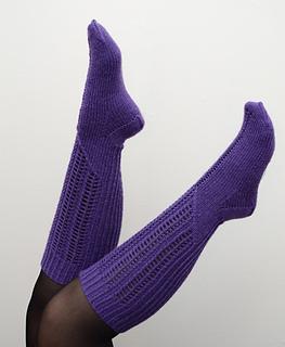Violetkneehigs1_small2
