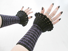 Stripywristwarmers7_small