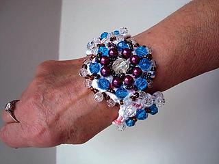 Beaded_crochet_bracelet_small2