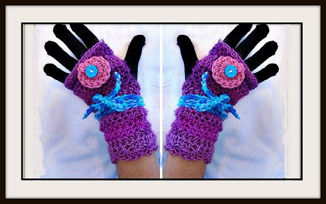 Ravelry 1109yt Petunia Texting Gloves Pattern By Emi Harrington