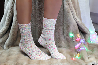Vintage_fairy_lights_socks_2_small2
