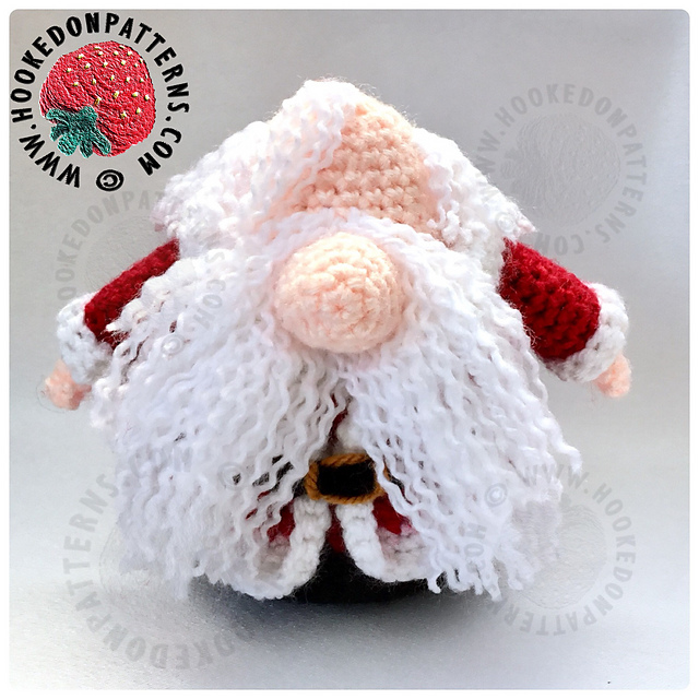 Ravelry: Santa Gonk Removable Outfit pattern by Ling Ryan