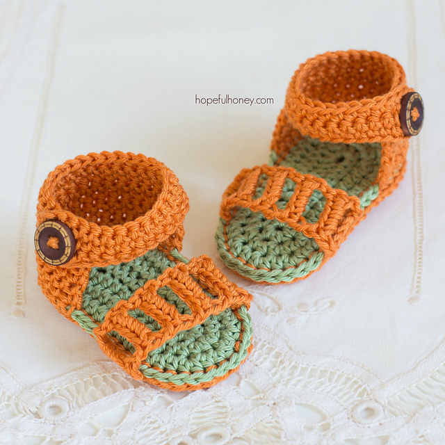 Ravelry Honeysuckle Baby Sandals Pattern By Olivia Kent
