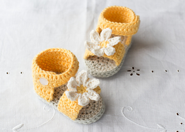 Ravelry Daisy Delight Baby Sandals Pattern By Olivia Kent