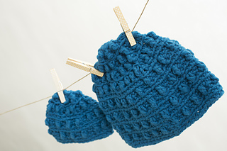 Crochet-mommy-and-me-beanies_small2