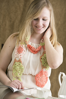 Crochet-flowers-in-bloom-scarf_small2