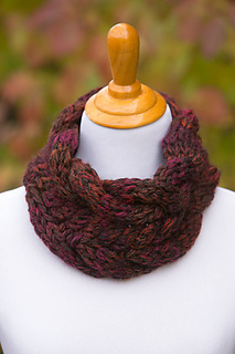 Chunky-cable-cowl_small2