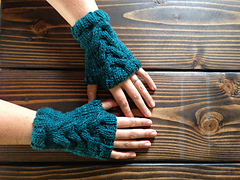 Cabled_fingerless_gloves_1_small