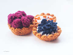 Crochet_fruit_tarts_small