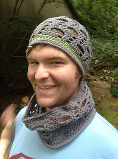 Diagonal_slouch_cowl_lindsey_small2