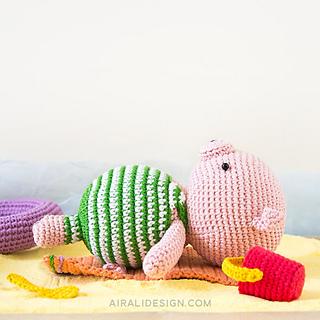 Ravelry Beach Babe Amigurumi Pig Pattern By Ilaria Caliri Aka Airali