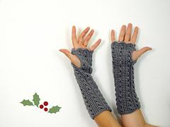 Fingerless_crochet_gloves_grey_for_christmas_small