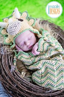 Cera_tops_baby_set_crochet_pattern_by_irarott_small2