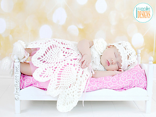 Dream_christening_gown_crochet_pattern_small2