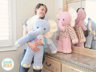 Josefina_and_jeffery_the_elephants_giant_amigurumi_pattern_by_irarott__5__small2