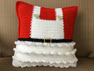 Ravelry Mr And Mrs Claus Pillows Pattern By Lisa Kingsley