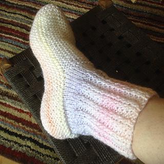 Ravelry: Adult Bed Socks pattern by Jacqueline Gibb