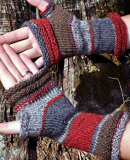 Red-mitts-sandy_oct2013-2_small2