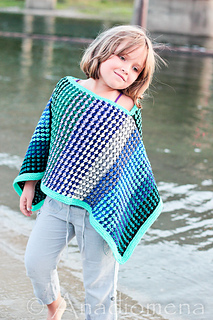 Ice_queen_poncho__10__small2