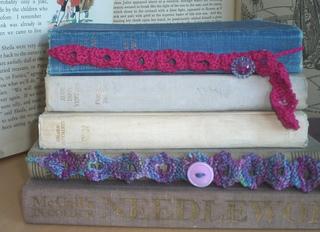 Knittedbookmark_small2