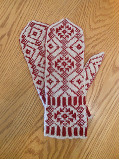 Winter_dream_mittens_010817_low_res_small2