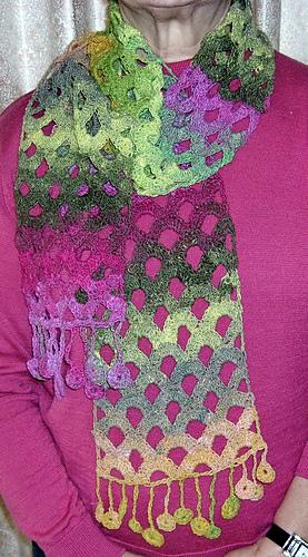 Intermezzo_scarf_being_worn_medium