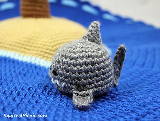 Crochet_shark_by_squirrel_picnic_small2