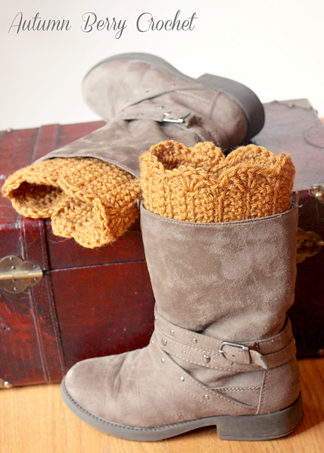 Ravelry Scalloped Boot Cuffs Pattern By Jenny Dickens