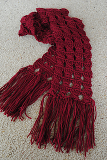 Light_and_airy_broomstick_scarf_small2