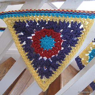 Circle-to-triangle-free-crochet-pattern_small2