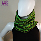 Green_gradient_cowl_free_corhcet_pattern_by_jessie_at_home_-_1_small_best_fit