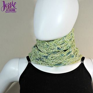 Unchained_scarf_-_free_crochet_pattern_by_jessie_at_home_-_4_small2